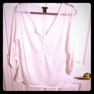 Sexy TORRID Pretty sheer white blouse size 0 (12)